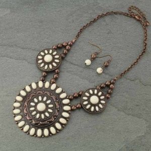 Jewelry - Western Concho Statement Necklace Set